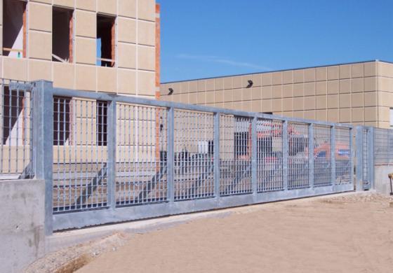 Cancelli scorrevoli industriali: comodità e sicurezza