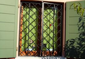 Inferriate per porte e finestre...d'estate
