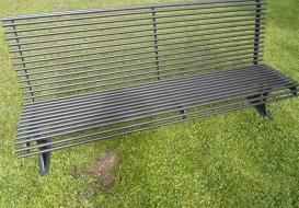 Panchine da esterno a Brescia per arredare il giardino