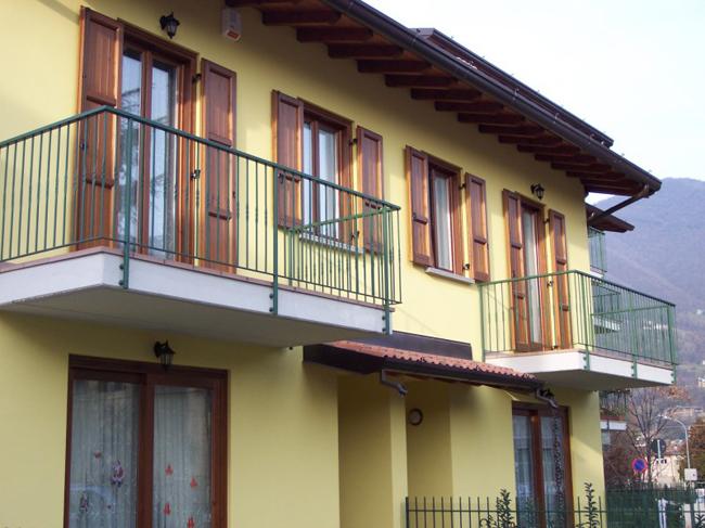 Ringhiere strumento antinfortunistico importante - Ringhiere in ferro battuto per balconi esterni ...