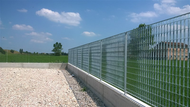recinzione grigliato