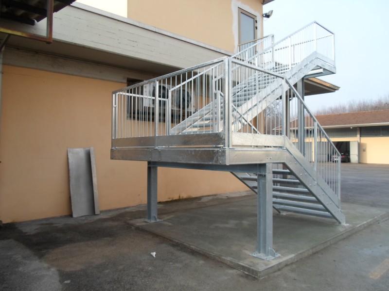 Scale Di Sicurezza Anche Nelle Scuole - Normativa Scale Interne ...