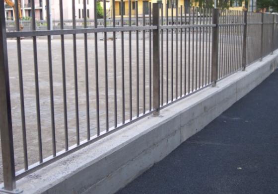 La nostra carpenteria in provincia di Brescia propone anche strutture in acciaio inox